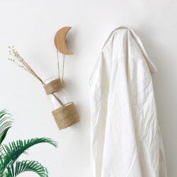 Crochet adhésif